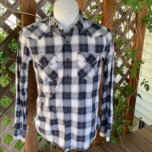 American Eagle Vintage fit shirt. Size small.